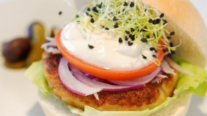 Healthy recipe: millet vegetarian burger