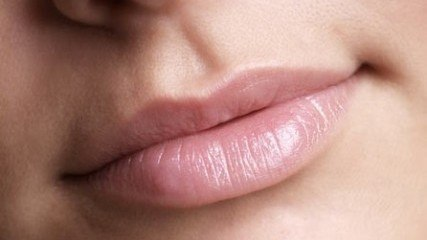 Young and attractive lips with Lip Refresh