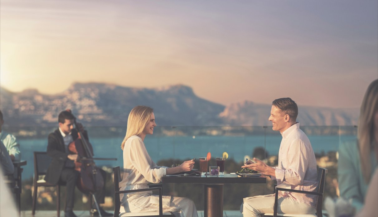<p>Activities, tools and knowledge for lasting wellness: talks, healthy cooking classes, mind-body sessions and more.</p>